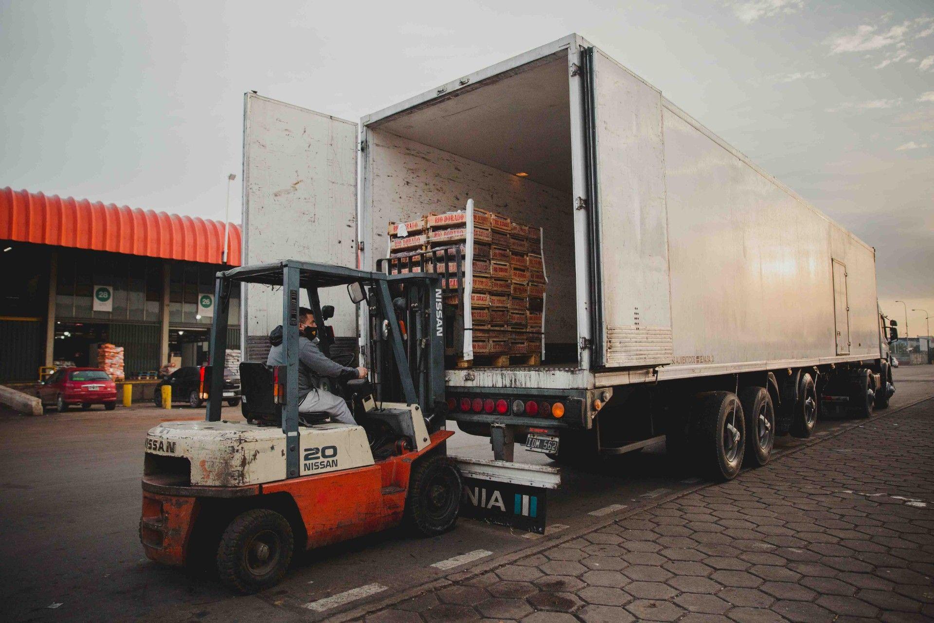 El transporte de alimentos es uno de los grandes responsables de la crisis climática.