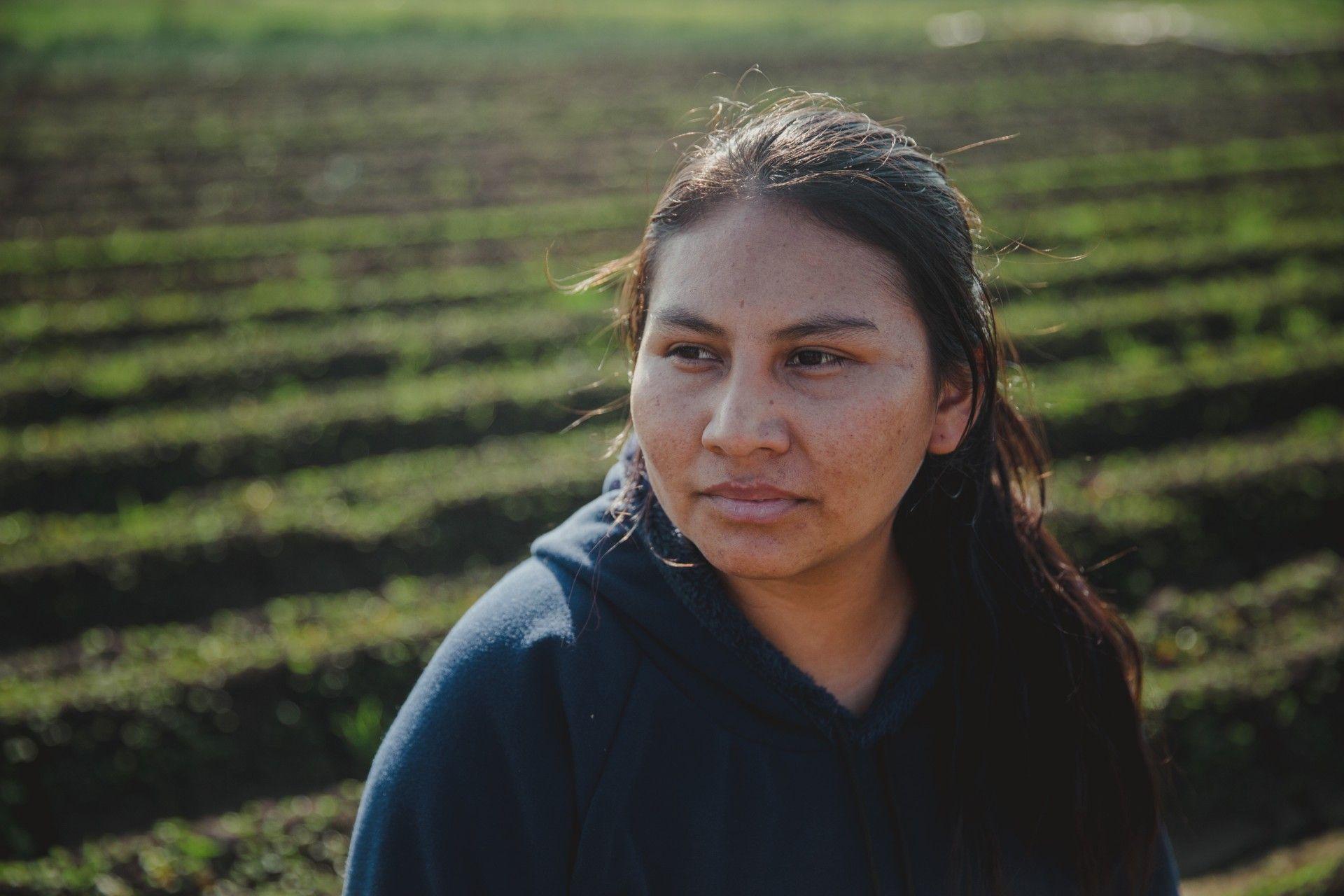 Delina Puma es productora agroecológica. Debe alquilar las tierras y mudarse cada cuatro años.